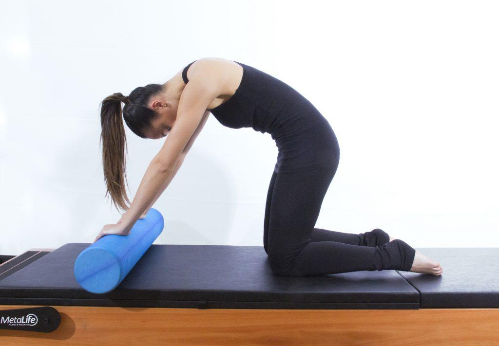 Exercício de pilates roller para desordens temporomandibulares