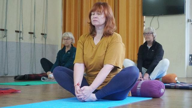 Uso De Terapia Alternativa Para Cuidar Do Corpo E Mente