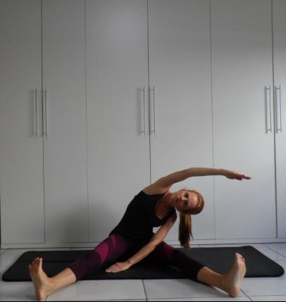 Abertura de perna com flexão lateral